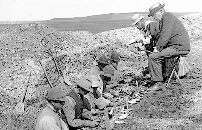 Kitchen midden excavation, 1895